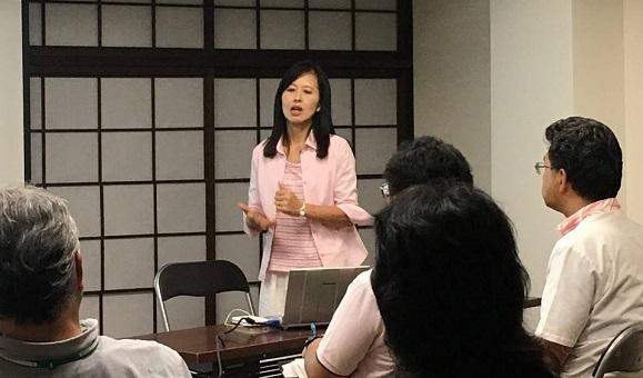 講師の新田恭子(JCSN共同代表)
